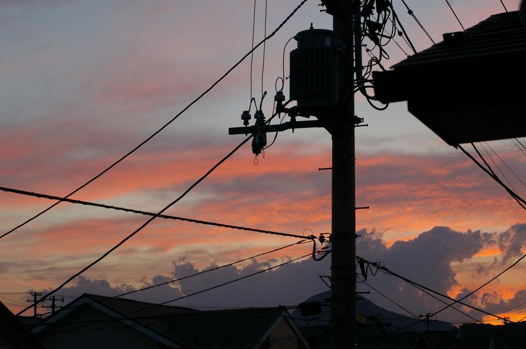 電柱と夕焼け