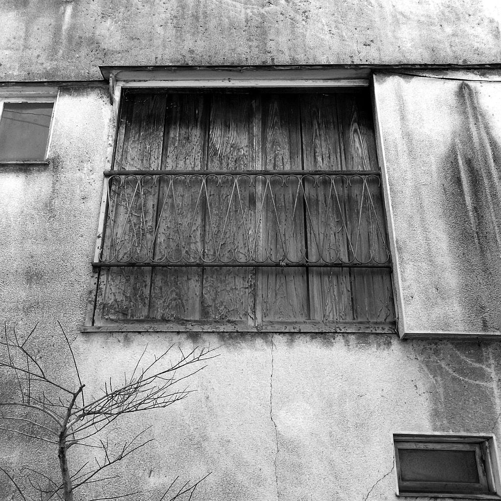 閉ざされた窓