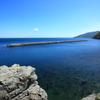 青く澄んだ海、空