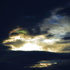夜明けの彩雲