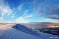 砂丘雪景色