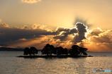 湖上の薄明光線