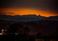 山と暮らす・・・(長野市街)